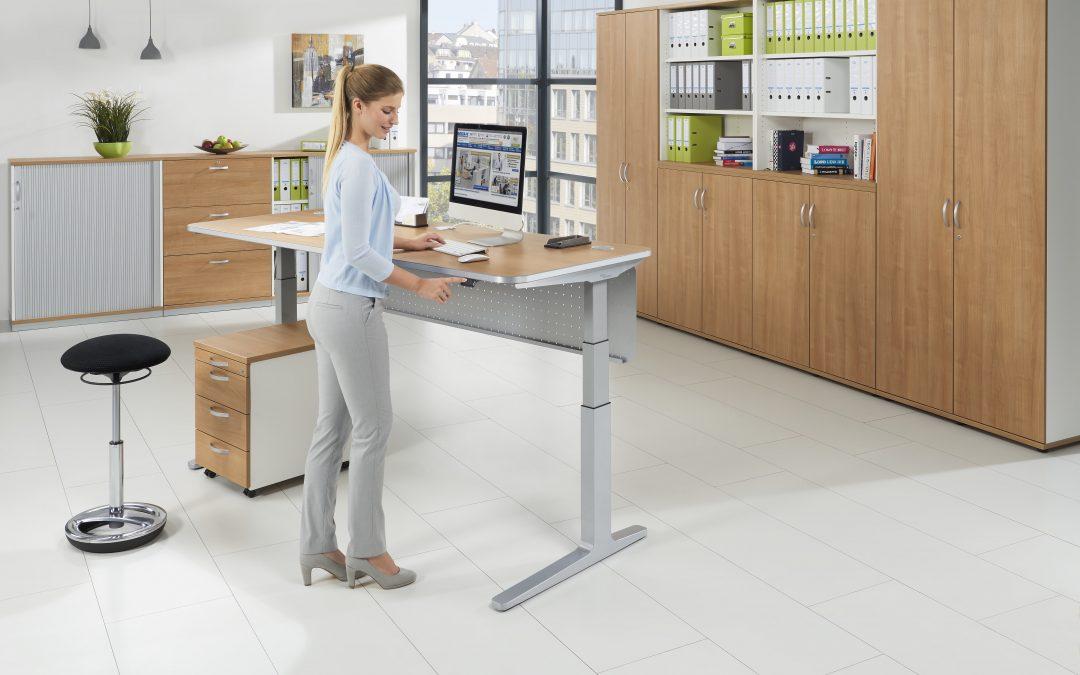 Erhebend – Höhenverstellbare Tische sind ein Muss am Arbeitsplatz